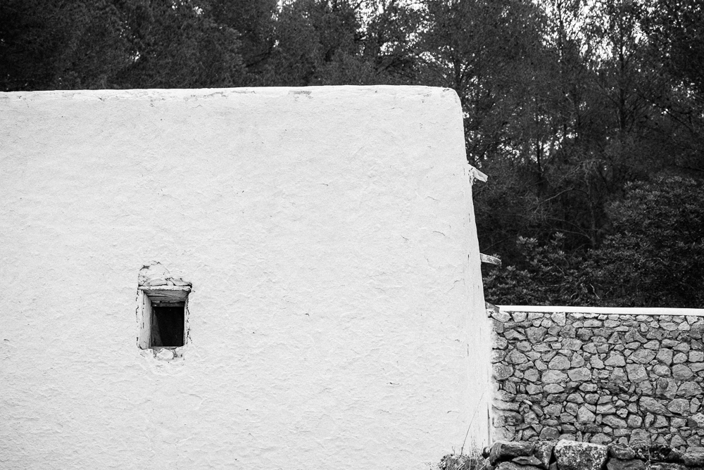 traditional Ibiza architecture photo by Juan Barte